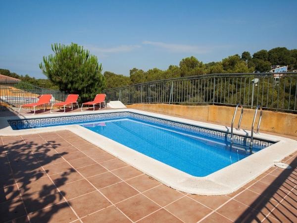 Hotel Pictures: Click & Booking Villas Tarraco Mar - Costa Dorada, Tamarit