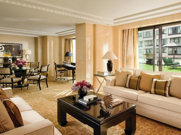 Grand Suite with King Bed