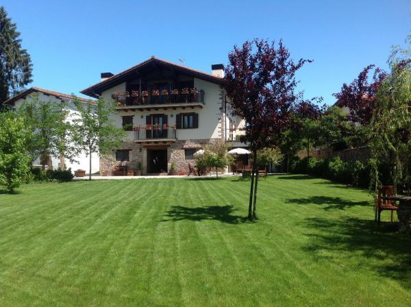 Hotel Pictures: Relais du Silence Hotel Rural Iribarnia, Lantz