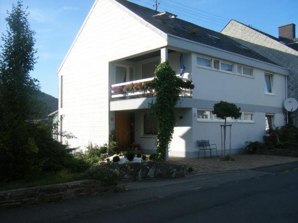 Hotel Pictures: Ferienwohnung M. Lemmermeyer, Neumagen-Dhron