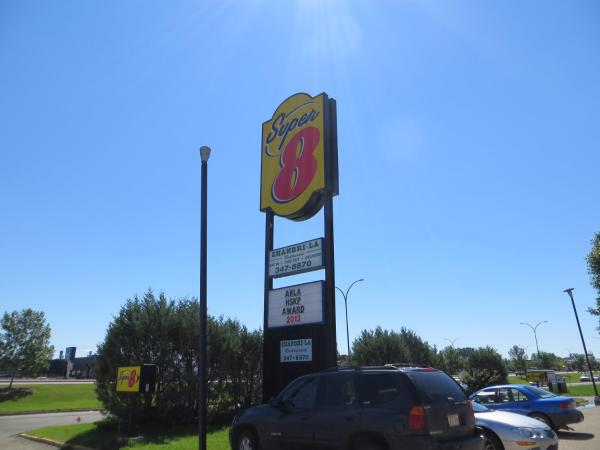 Hotel Pictures: Super 8 Red Deer North, Red Deer