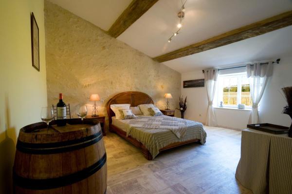 Hotel Pictures: Chambres d'Hôtes L'Ilot-Vignes, Rauzan