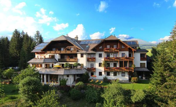 ホテル写真: Hotel Häuserl im Wald, Mariapfarr