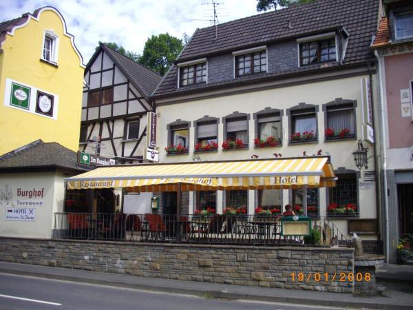Hotel Pictures: Hotel Im Burghof, Altenahr