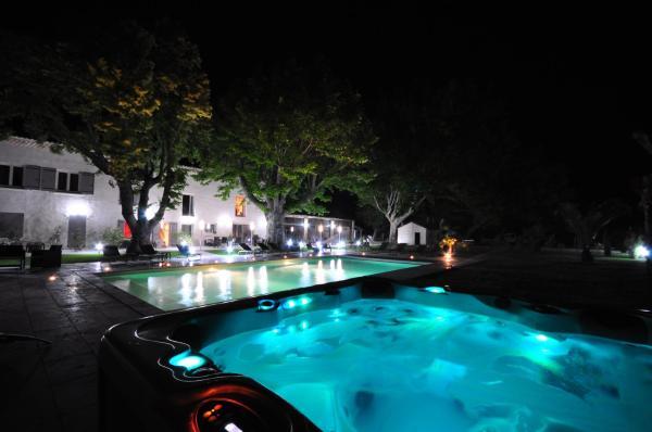 Hotel Pictures: B&B Lou Mas Canaillou, Pernes-les-Fontaines