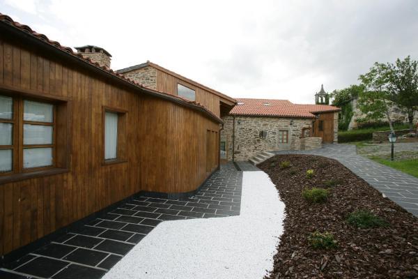 Hotel Pictures: Casa da Iglesia, Viñós