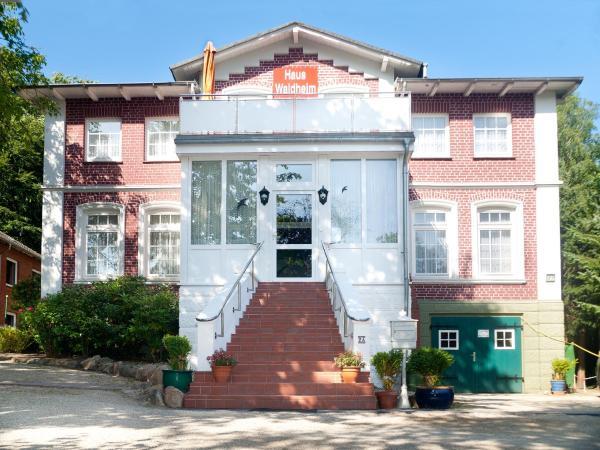 Hotel Pictures: Haus Waldheim, Malente