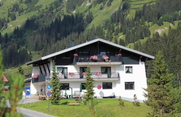 Fotos de l'hotel: Pension Zoeggeler, Lech am Arlberg