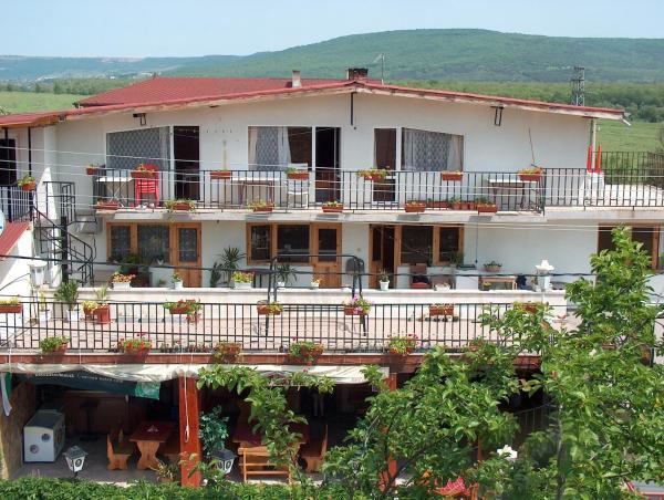 Hotel Pictures: Varna Hotel, Kranevo