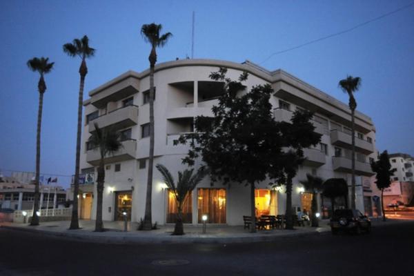 Hotel Pictures: Elysso Hotel, Larnaka