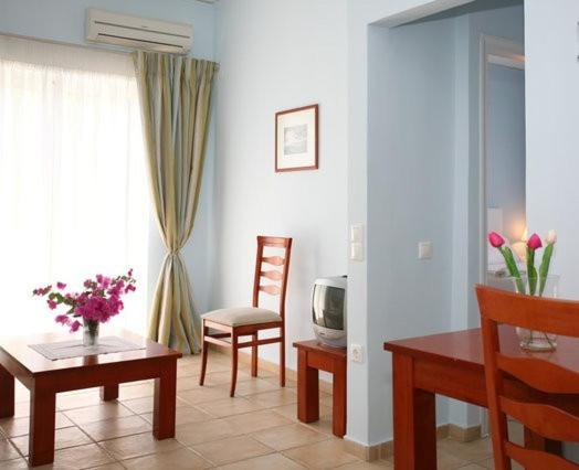 One-Bedroom Apartment (2-4 Adults) No5