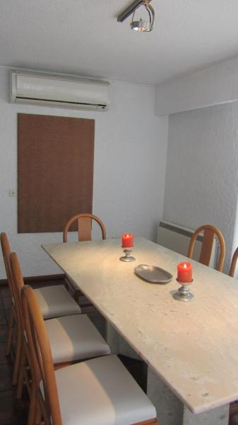 Three-Bedroom Apartment (5 Adults) with Sea View