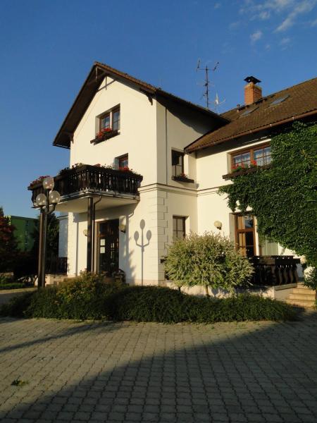 Hotel Pictures: Villa Žerotín Penzion Bed & Breakfast, Velké Losiny