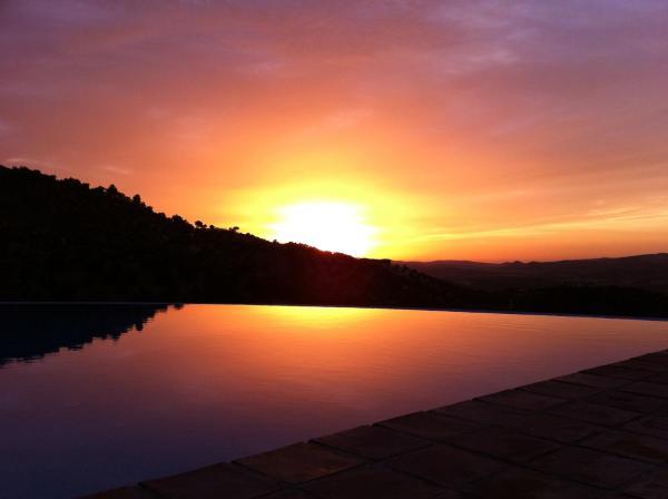 Hotel Pictures: Hotel Rural los Tadeos, Zahara de la Sierra