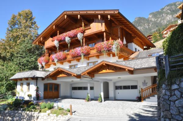Hotel Pictures: Haus Kristall, Alpbach