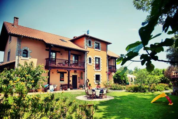 Hotel Pictures: Fuente De Las Anjanas, Estrada