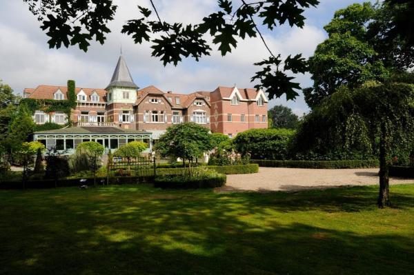 Foto Hotel: Kasteel Wurfeld, Maaseik