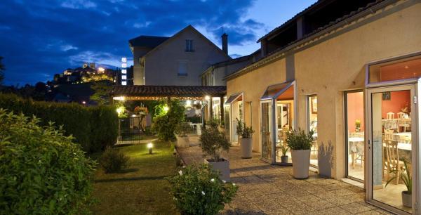 Hotel Pictures: Les Messageries - Le Nautilus, Saint-Flour