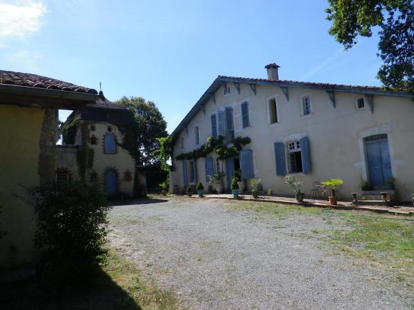 Hotel Pictures: Chambres et Table d'Hôtes Capcazal de Pachïou, Mimbaste