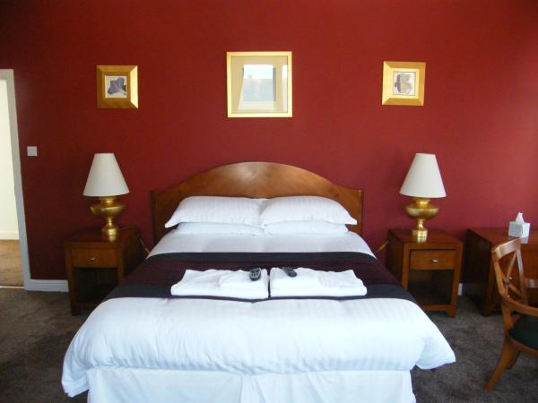 Hotel Pictures: The Royal Hotel, Barrow in Furness