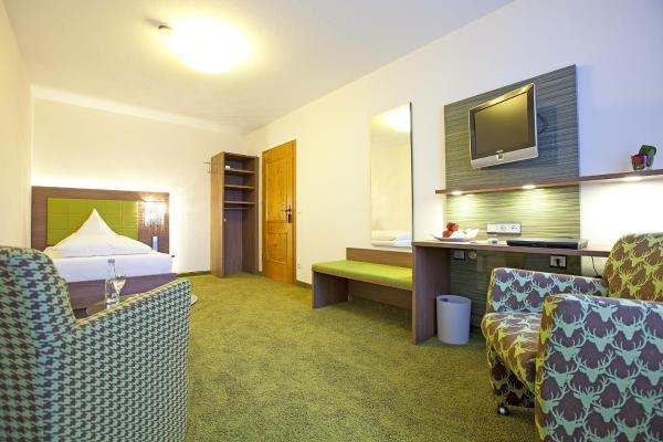 Hotel Pictures: Hotel Hirsch, Leonberg