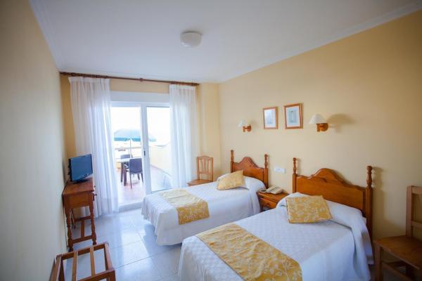 Hotel Pictures: Hotel Martín Esperanza, Portonovo