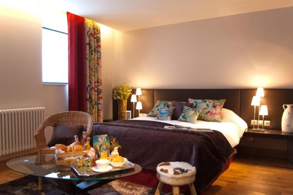 Hotel Pictures: André et Viviane Chatelard - Chambres d'hôtes, Saint-Bonnet-le-Froid