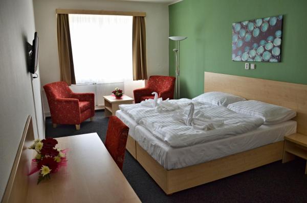 Hotel Pictures: Městský hotel Bobík, Volary