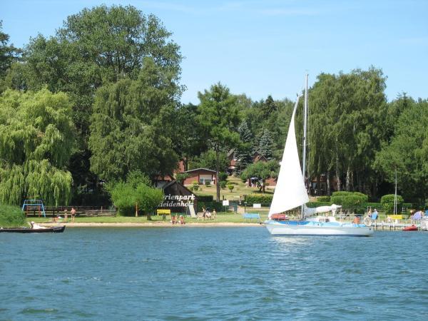 Hotel Pictures: Ferienpark Heidenholz, Plau am See