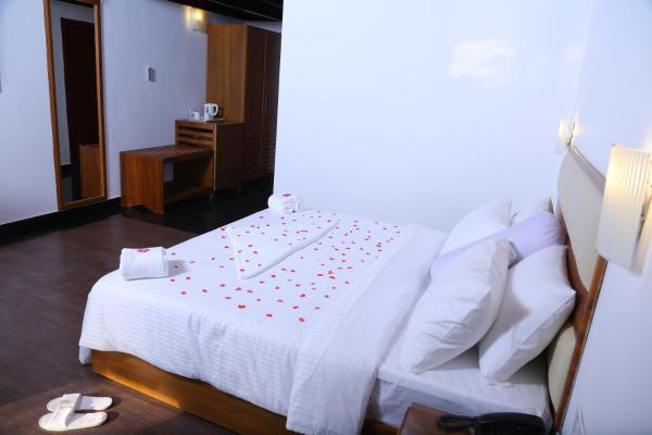 Superior Double Room with Beach View