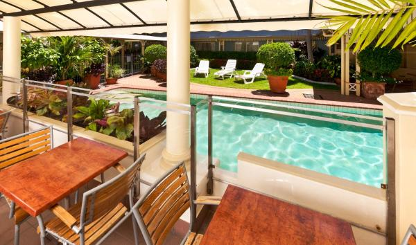 Hotel Pictures: Cairns Queens Court, Cairns