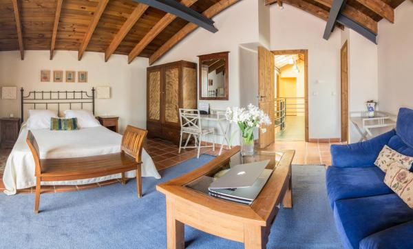 Hotel Pictures: El Turcal, Torremenga