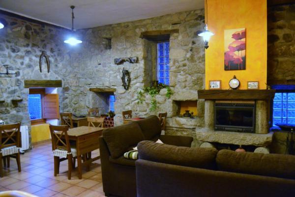 Hotel Pictures: Los Níscalos, Cadalso de los Vidrios