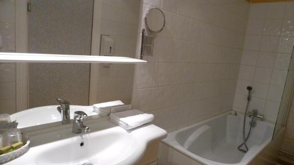 Comfort Twin Room with Bathroom