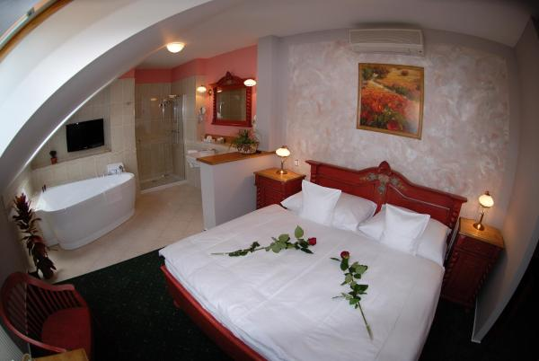 Luxury Apartment with Spa Bath