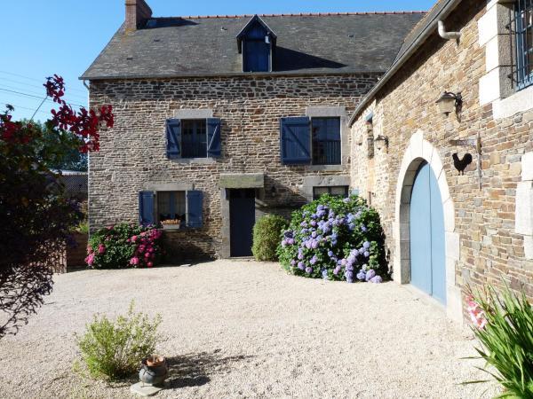 Hotel Pictures: Les Fleurs de Villeprêtre, Pleine-Fougères