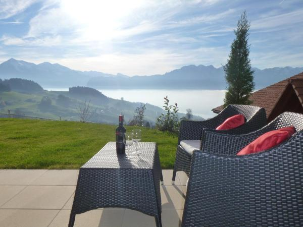 Hotel Pictures: Panorama Lodge Goldiwil, Goldiwil