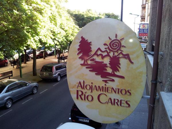 Hotel Pictures: Alojamientos Río Cares, León