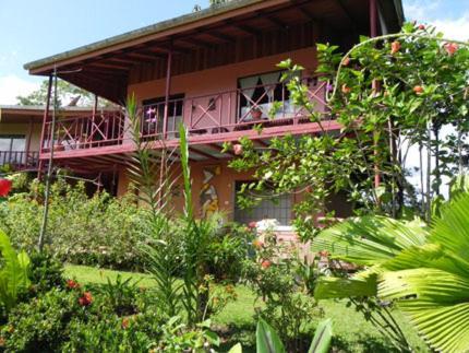 Hotel Pictures: Hummingbird Nest B&B, El Castillo de La Fortuna