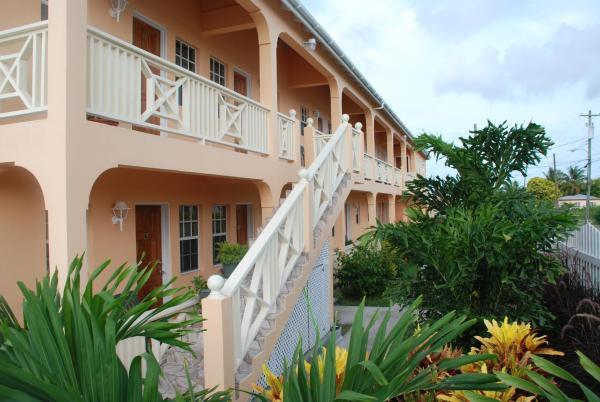 Foto Hotel: Connie's Comfort Suites, Saint John's