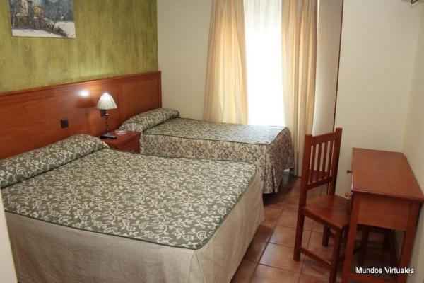 Hotel Pictures: Nuevo Hostal Paulino, Trujillo