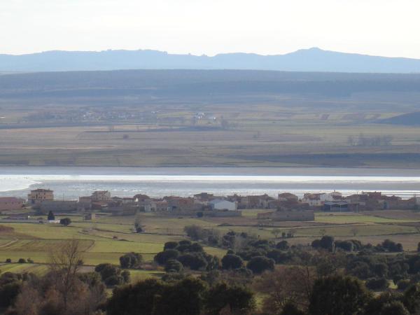 Hotel Pictures: Casas Rurales La Laguna y La Buhardilla, Gallocanta