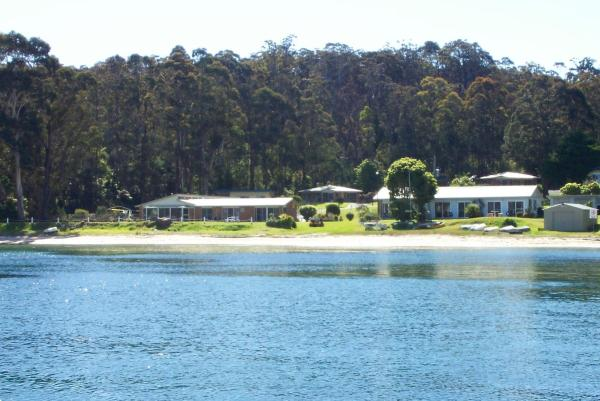 Foto Hotel: Quarantine Bay Beach Cottages, Eden