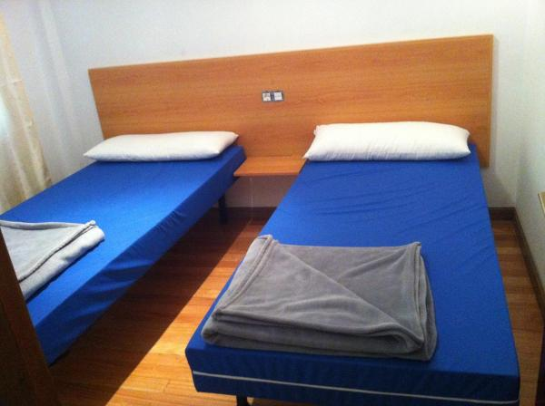 Hotel Pictures: Albergue Vilela, Melide