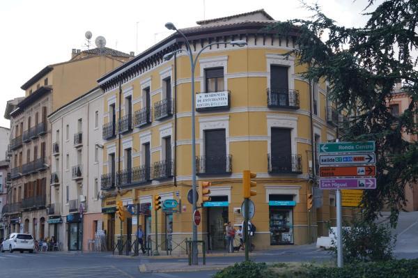 Hotel Pictures: Residencia De Estudiantes Santo Domingo, Huesca