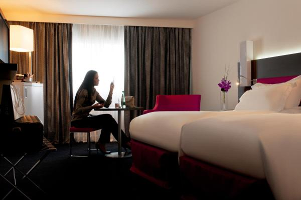 Superior Twin Room with Two Single Beds - Free Wi-Fi