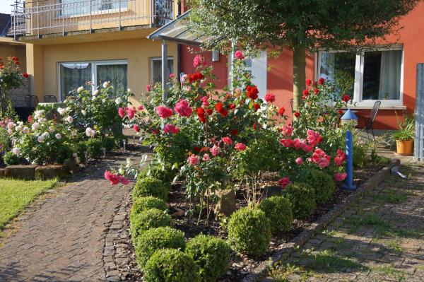 Hotelbilleder: Ferienhaus Schloss-Garten, Kapellen-Drusweiler