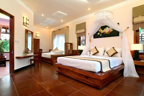 Family Room (Free One-way Airport Transfer)