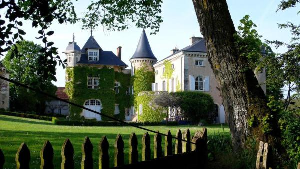 Hotel Pictures: Saint Victor La Grand' Maison, Ingrandes