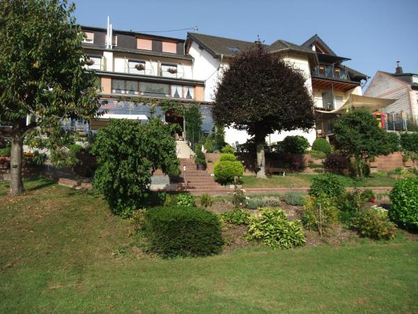 Hotel Pictures: Unter der Burg, Bollendorf
